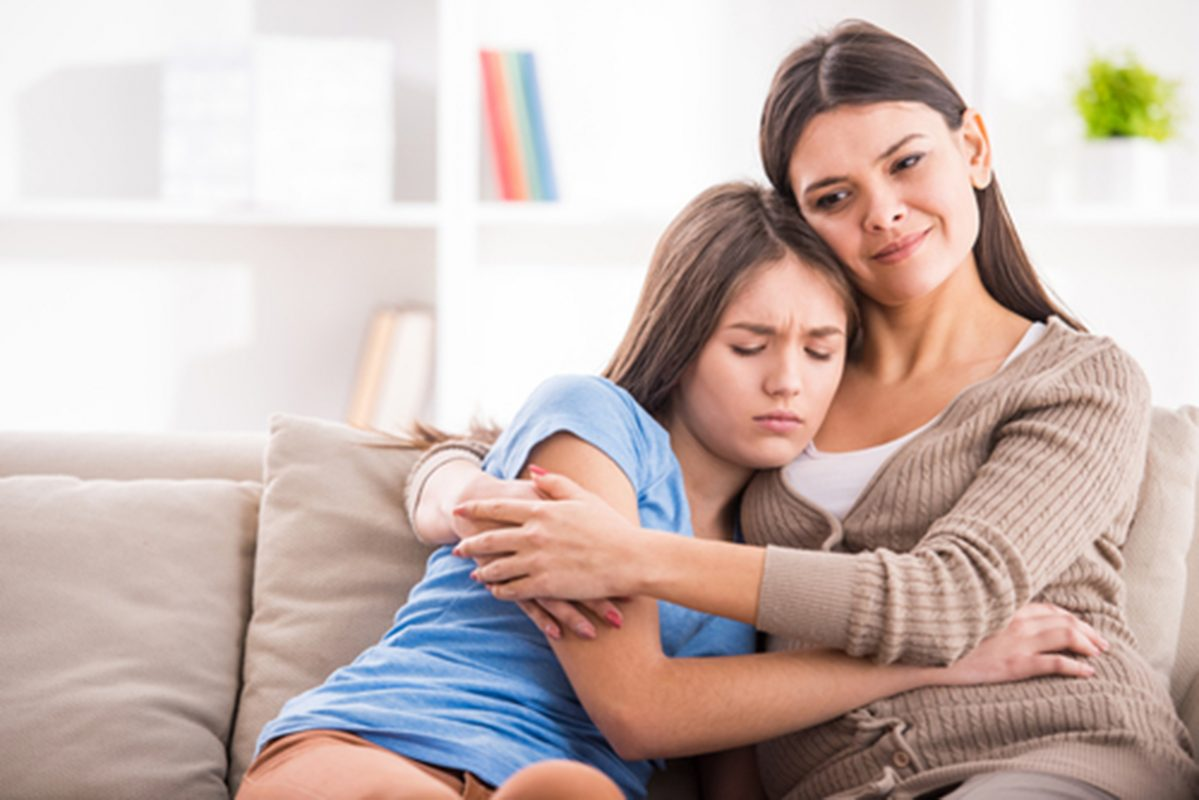 Cách dạy con gái tuổi dậy thì thông qua câu chuyện hàng ngày.